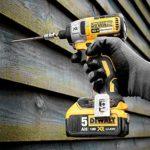 DeWalt DCK266P2-QW Perceuse visseuse à percussion Brushless + visseuse à chocs Brushless + 2 batteries 18V 5Ah Li-ion + coffret Toughsystem Jaune